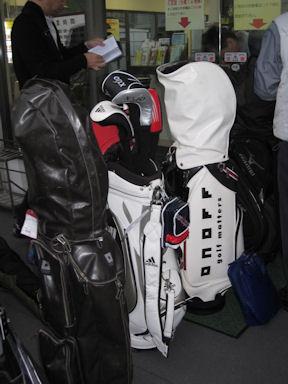 First_golf100306_01